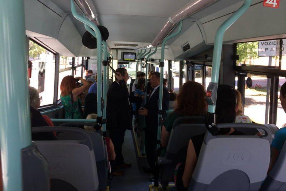 Nový autobus MHD v Šuranoch (2017)