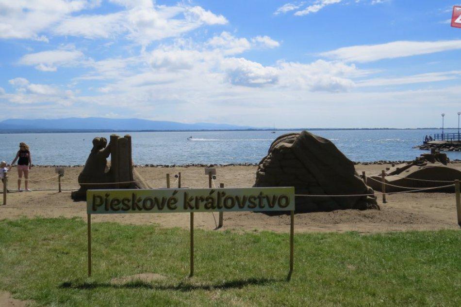 Na Šírave pribudli parádne sochy: Nová piesková atrakcia na fotkách!