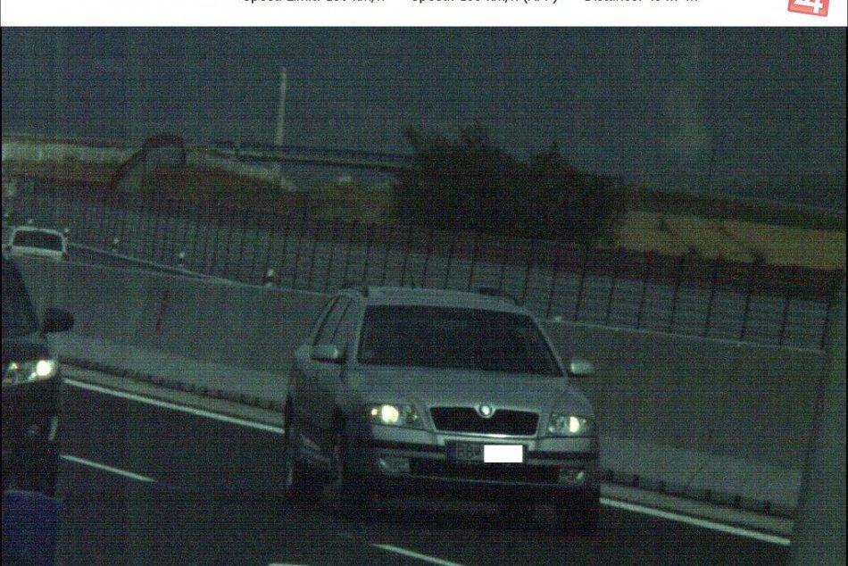V OBRAZOCH: Vodič si zavaril jazdou bez vodičáku