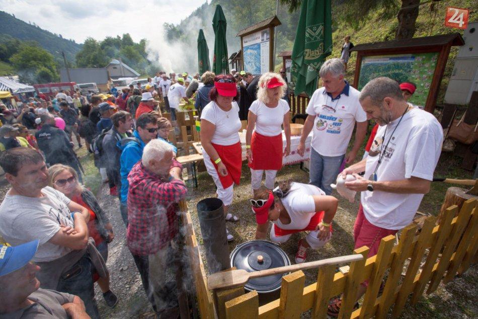 V OBRAZOCH: Pri Bystrici sa vo veľkom varili a jedli halušky