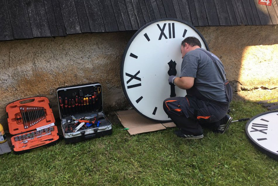 V OBRAZOCH: Kostol sv. Michala zdobia hodiny s odbíjaním