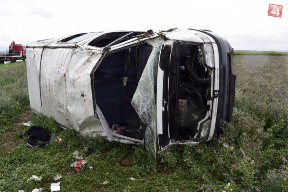 Medzi Trnavou a Suchou nad Parnou sa stala nehoda! FOTO z miesta