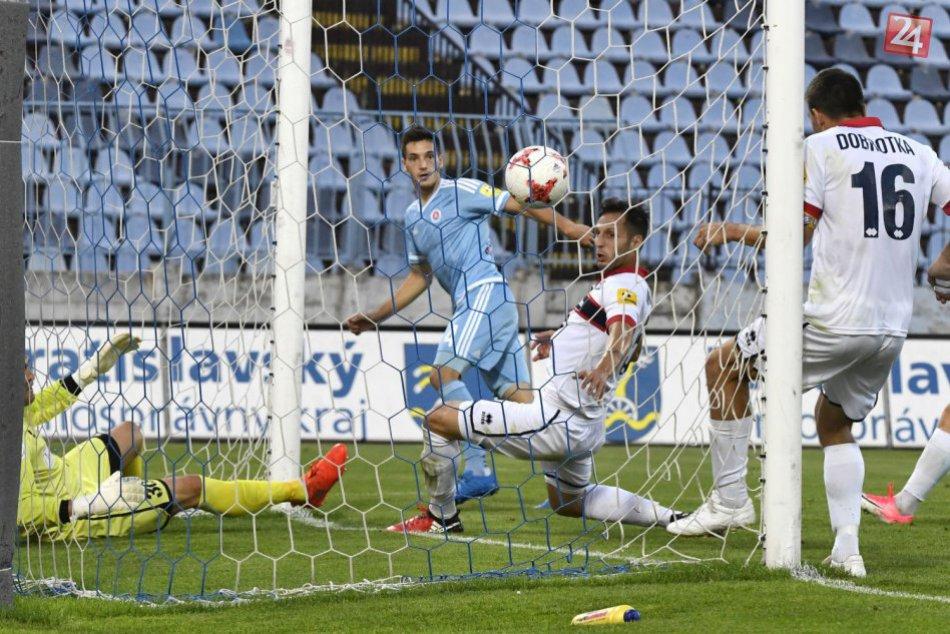 Fortuna liga pokračovala ďalším kolom: Slovan si poradil s ViOn-om, rozhodol Sav
