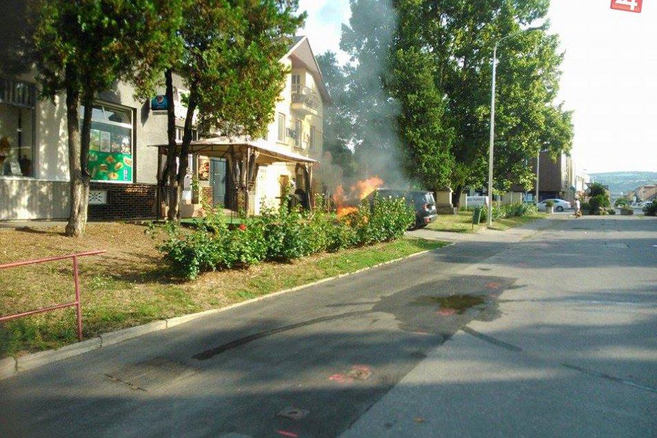 FOTO z miesta: Na Námestí svätého Michala v Hlohovci horelo