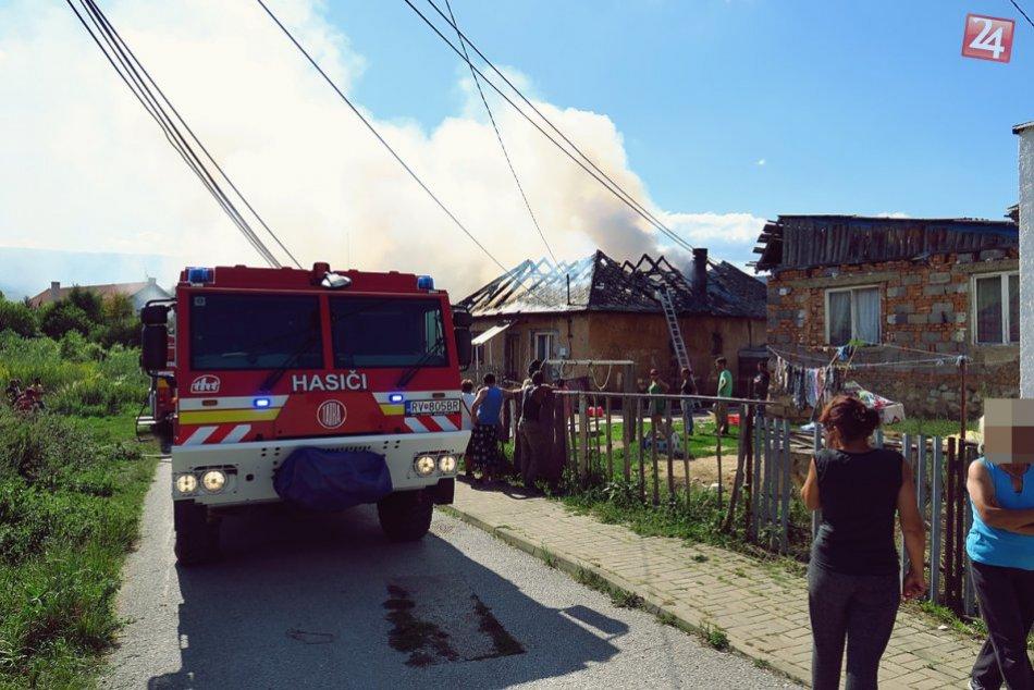 Obrazom: Požiar rodinného domu v Brzotíne