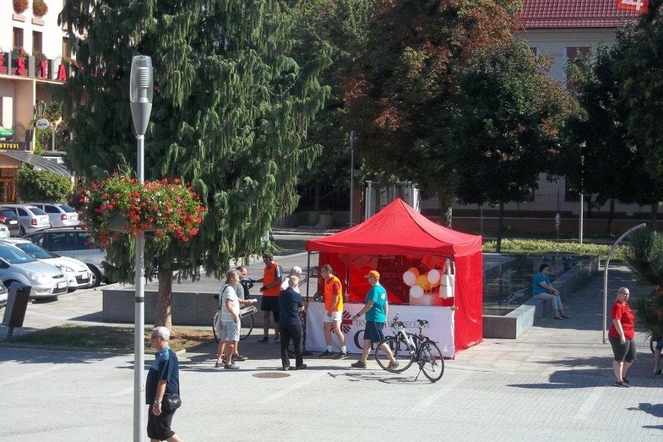 FOTO: V meste pristáli bicykle, dopoludnie venovali charite