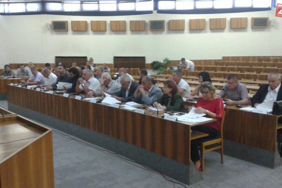 Mestské zastupiteľstvo v Považskej: Smatanove návrhy po dlhej diskusii neprešli