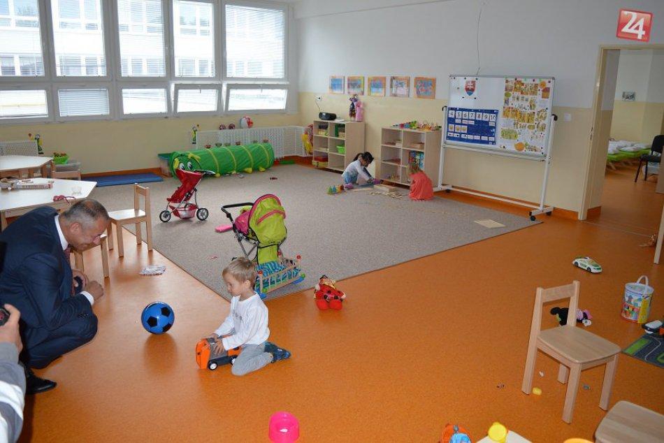 V OBRAZOCH: Nová bystrická škôlka privítala desiatky detí