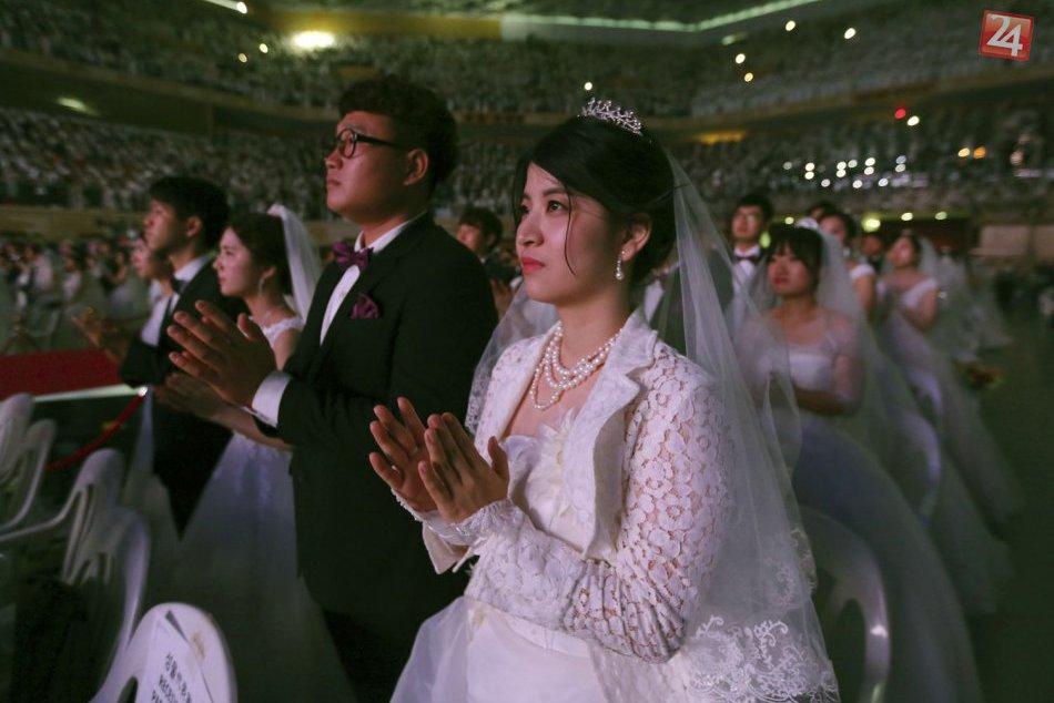V Južnej Kórei sa hromadne zosobášilo 4-tisíc párov!