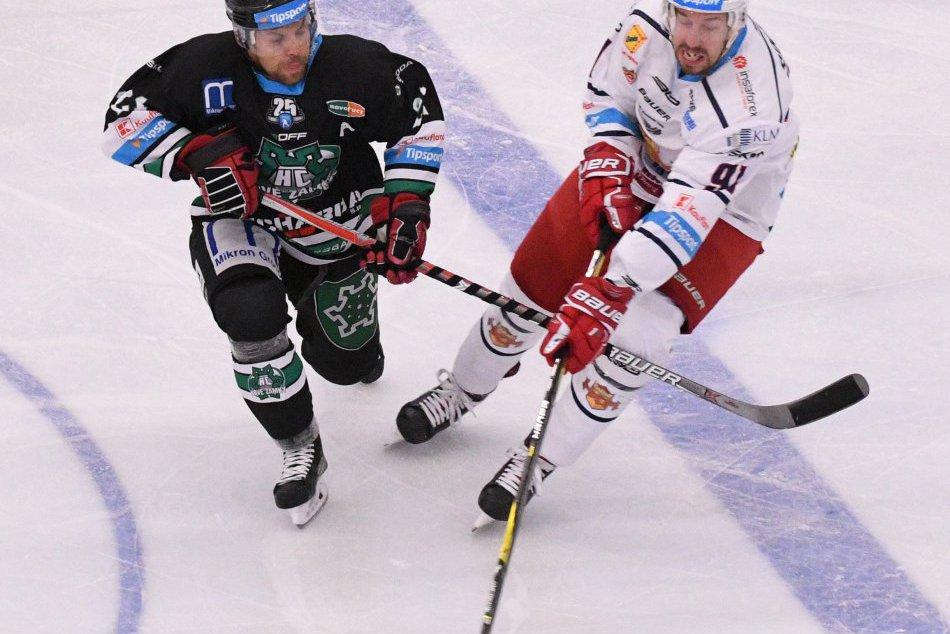 V OBRAZOCH: Zvolenskí hokejisti v Zámkoch vysoko prehrali. Pozrite si FOTO