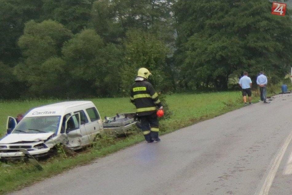 Nehoda neďaleko Považskej Bystrice: Zábery priamo z miesta