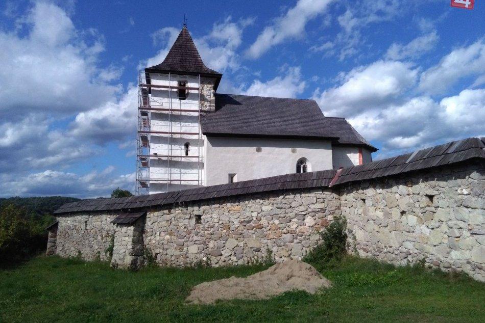V OBRAZOCH: Tento rok ukončia renováciu kostolíka, v ktorom bol princ Charles