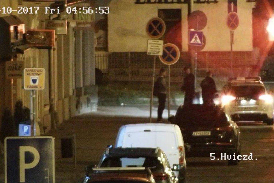 V OBRAZOCH: Mestská polícia zadržala osobu v pátraní