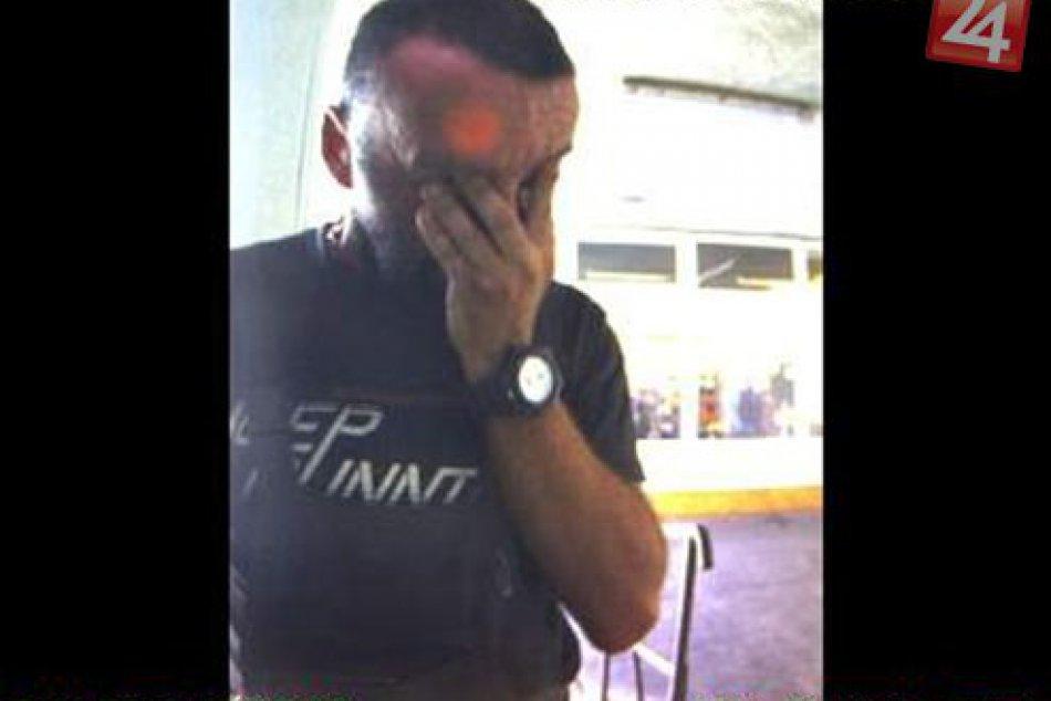 V OBRAZOCH: Zvolenská polícia pátra po totožnosti tohto muža