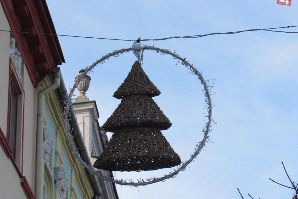 Toto je jasný znak prichádzajúcich Vianoc: Veď sledujte tie FOTKY z Prešova...