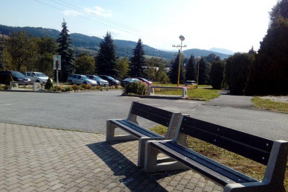Nové lavičky a smetné koše v Považskej Bystrici: Páčia sa vám?