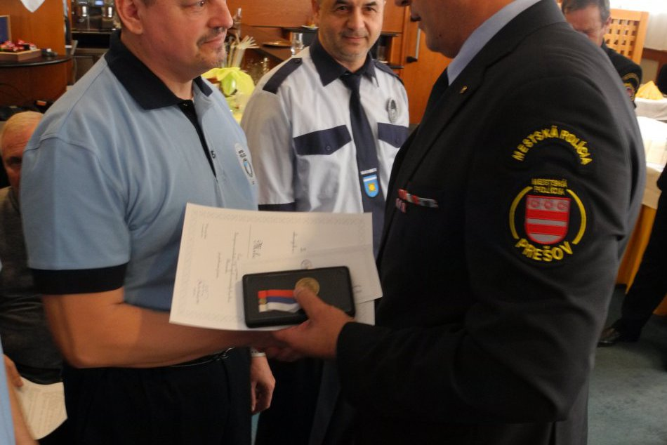 V OBRAZOCH: Za záchranu ľudského života ocenili 21 príslušníkov polície