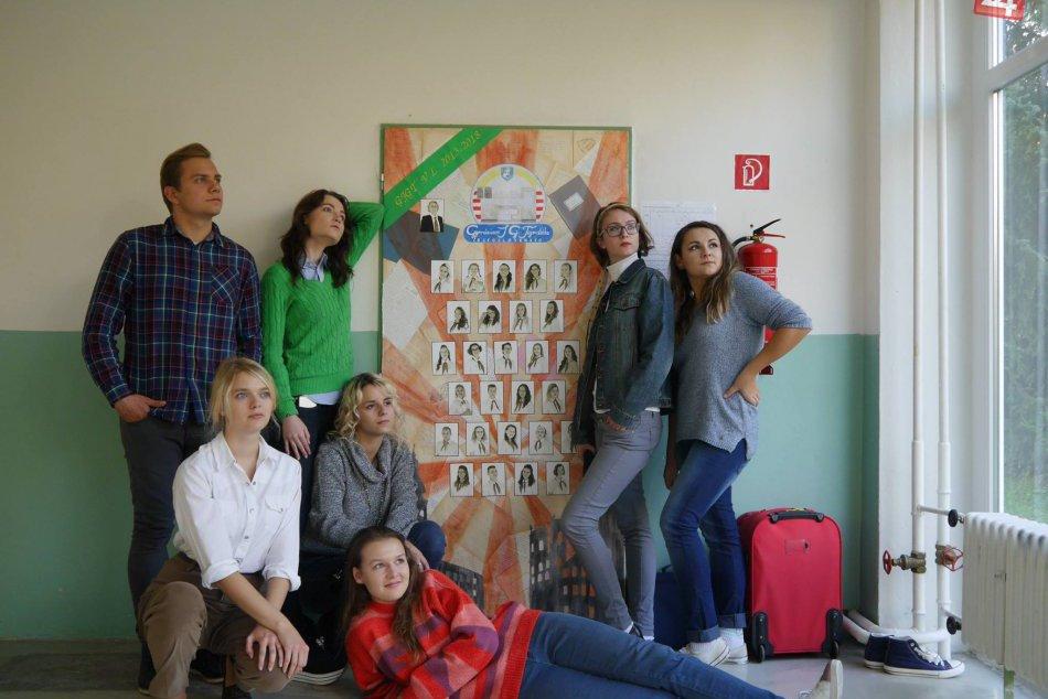 V OBRAZOCH: Natáčanie maturitného videa bystrických gymnazistov