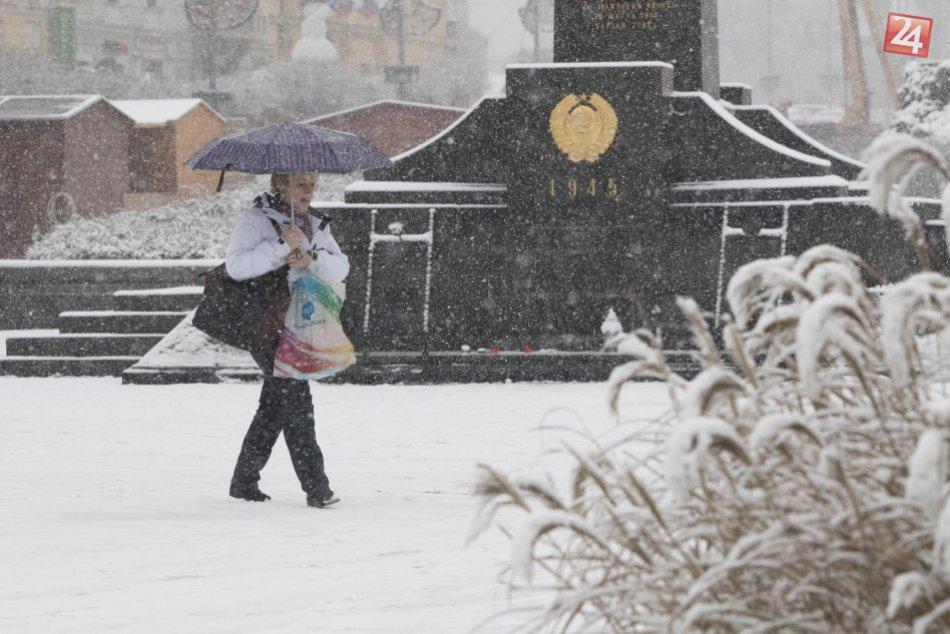 V OBRAZOCH: Centrum Bystrice pod snehovou prikrývkou