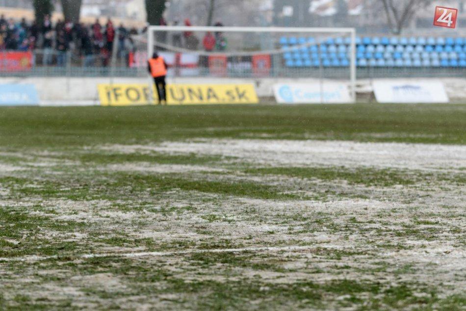 Ľad na ihrisku pod Zoborom: Zápas Nitry s Trnavou preložili na utorok
