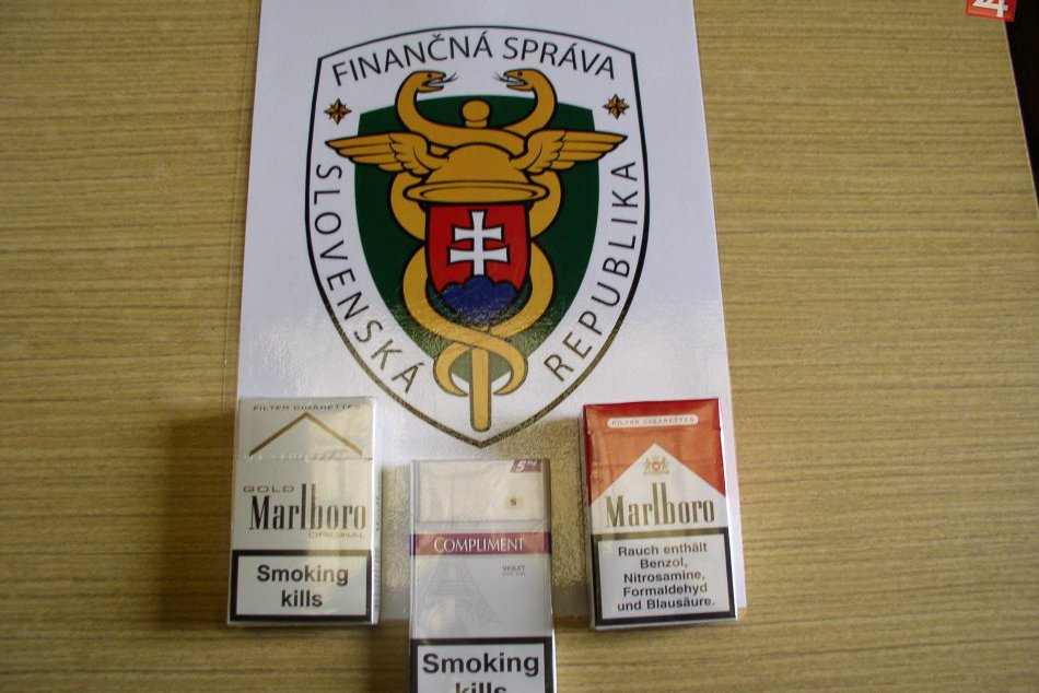 Nitrianski colníci sa činili: Zadržali skoro 9-tisíc kusov cigariet známych znač