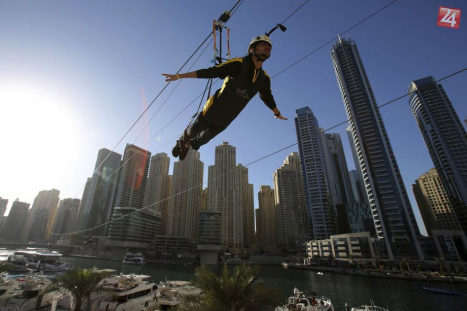 Svetová novinka v Dubaji. Nad mestom presvištíte vo výške 170 metrov