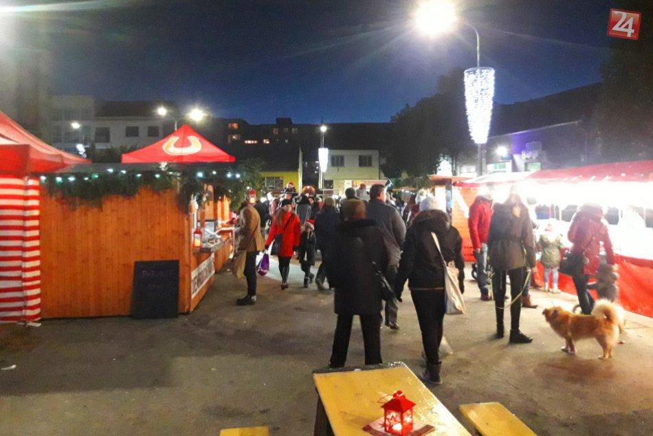 OBRAZOM: V Hlohovci odštartovali vianočné trhy