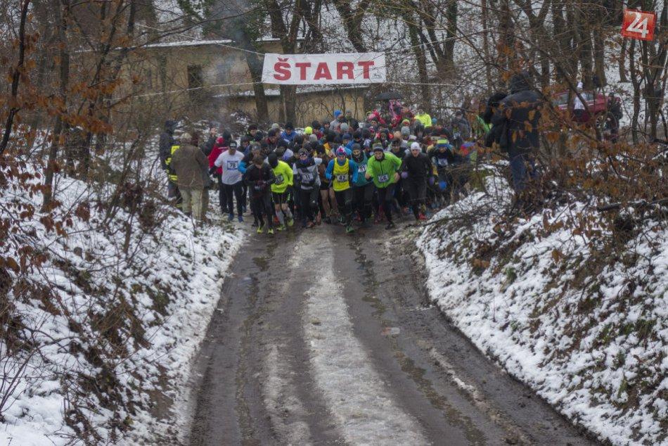 Zoborský silvestrovský beh: Zúčastnilo sa 245 pretekárov, najstarší mal 81 rokov