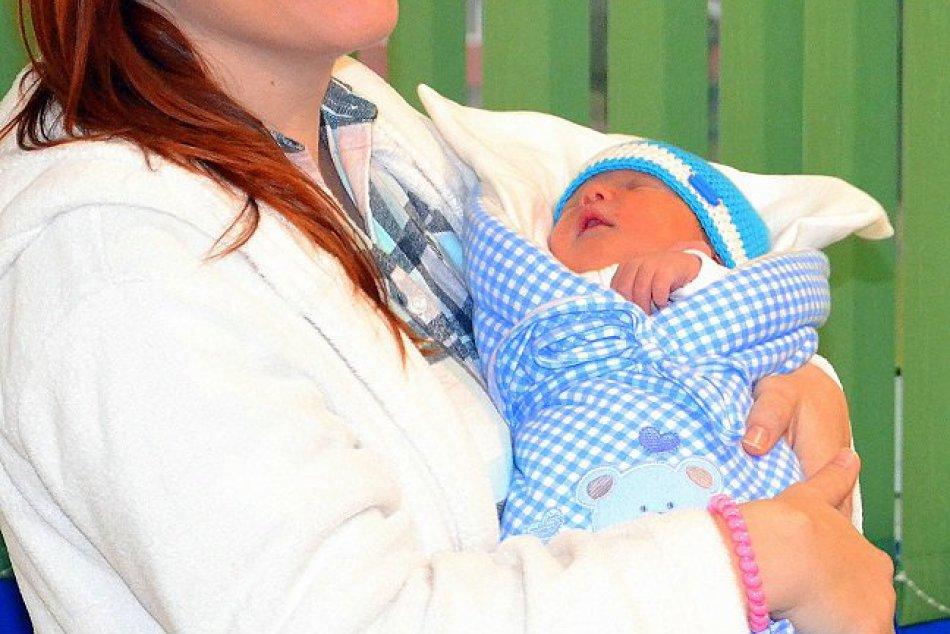 Toto je on aj s mamičkou: Riško sa stal prvým Humenčanom roka 2018