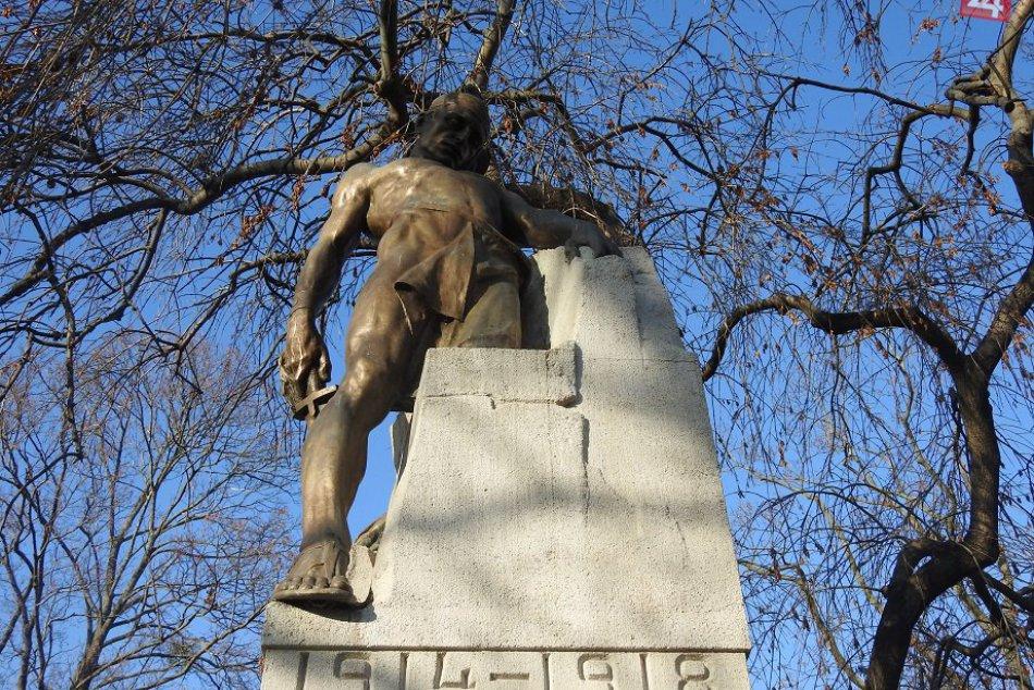 FOTO: Modelom pre Koniarkovho Umierajúceho bojovníka bol mladý zlievač