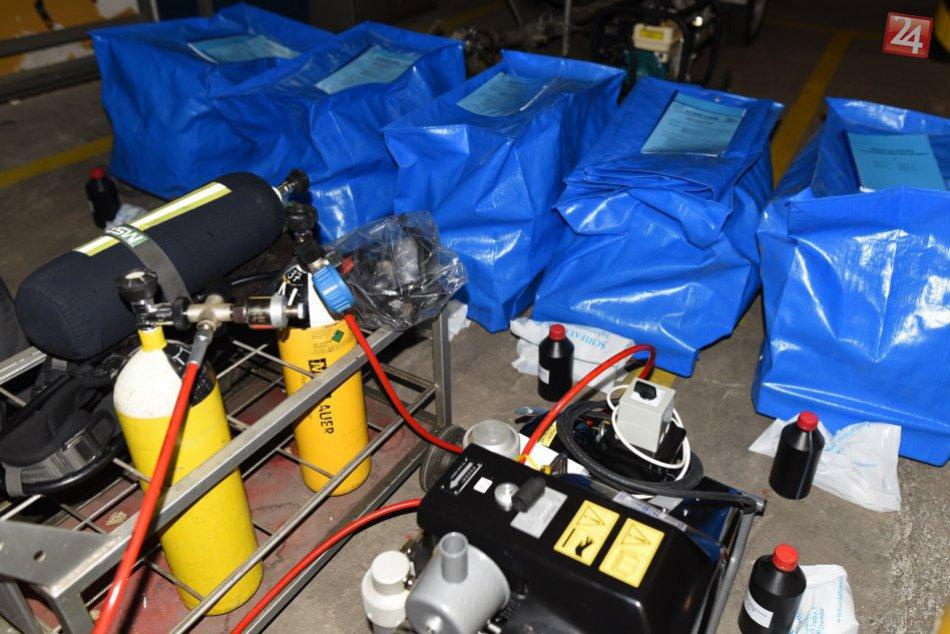 FOTO: Hasiči v Trnavskom kraji dostali nové kompresory