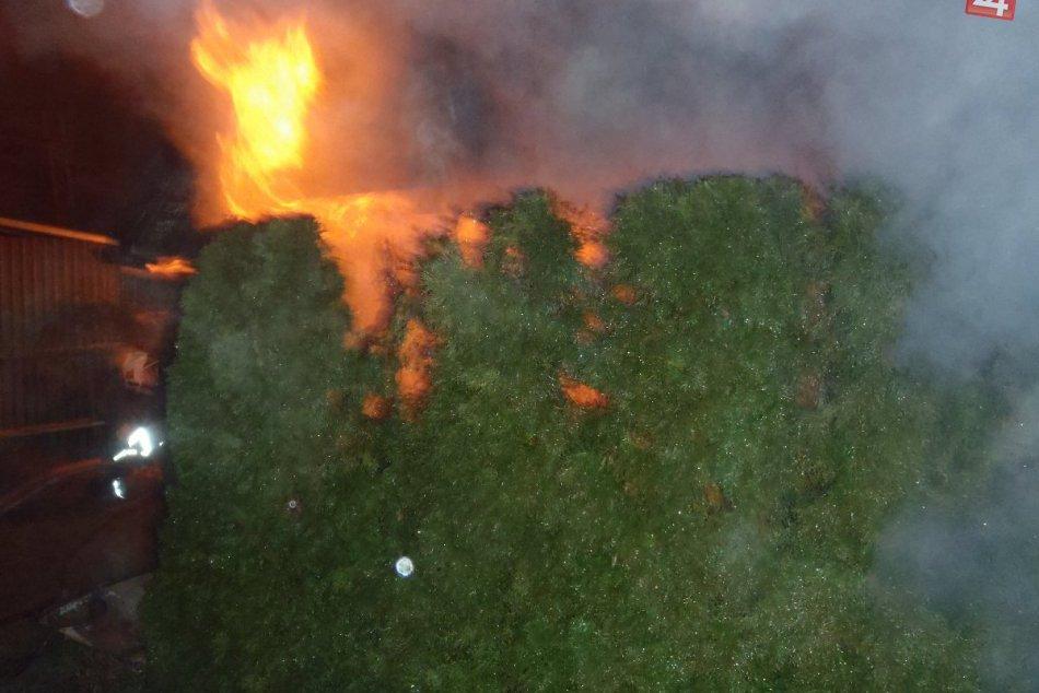 Požiar hospodárskeho objektu v Púchove: Hasili aj považskobystrickí hasiči
