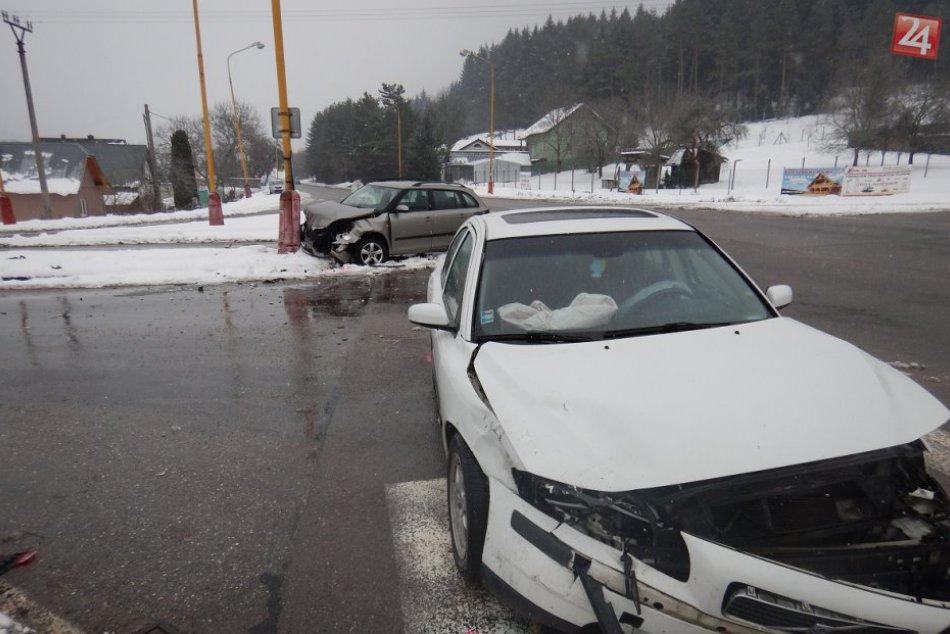 Nehoda priamo v Považskej Bystrici: Zábery priamo z miesta