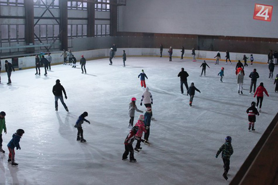 V OBRAZOCH: Verejné korčuľovanie v Bystrici