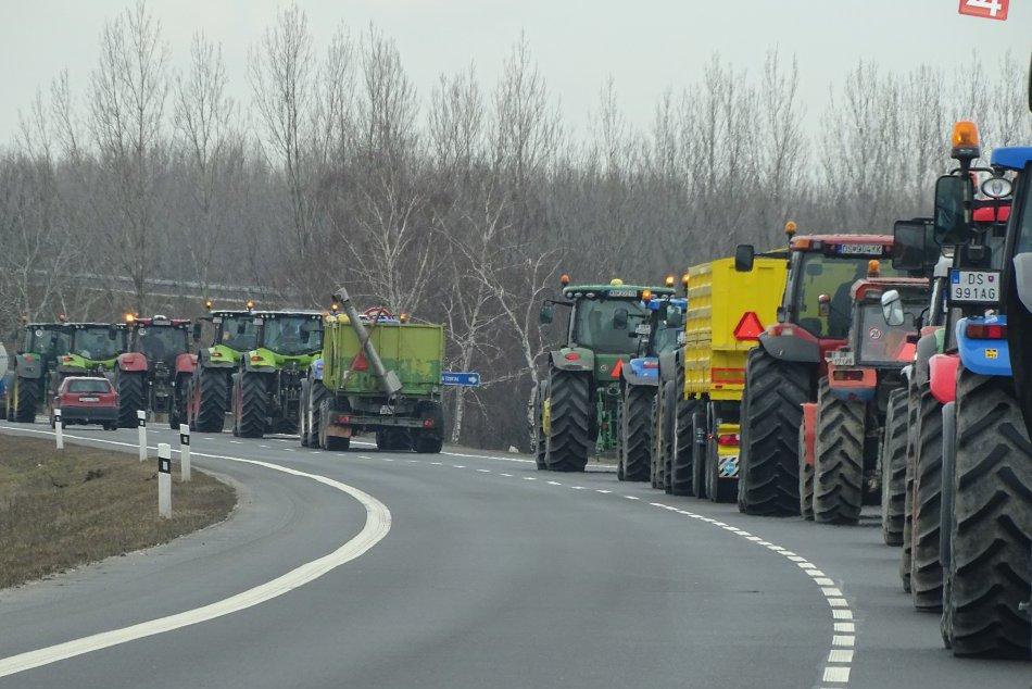 Naši poľnohospodári vyšli do ulíc: Proti zákonu zorganizovali protest, FOTO