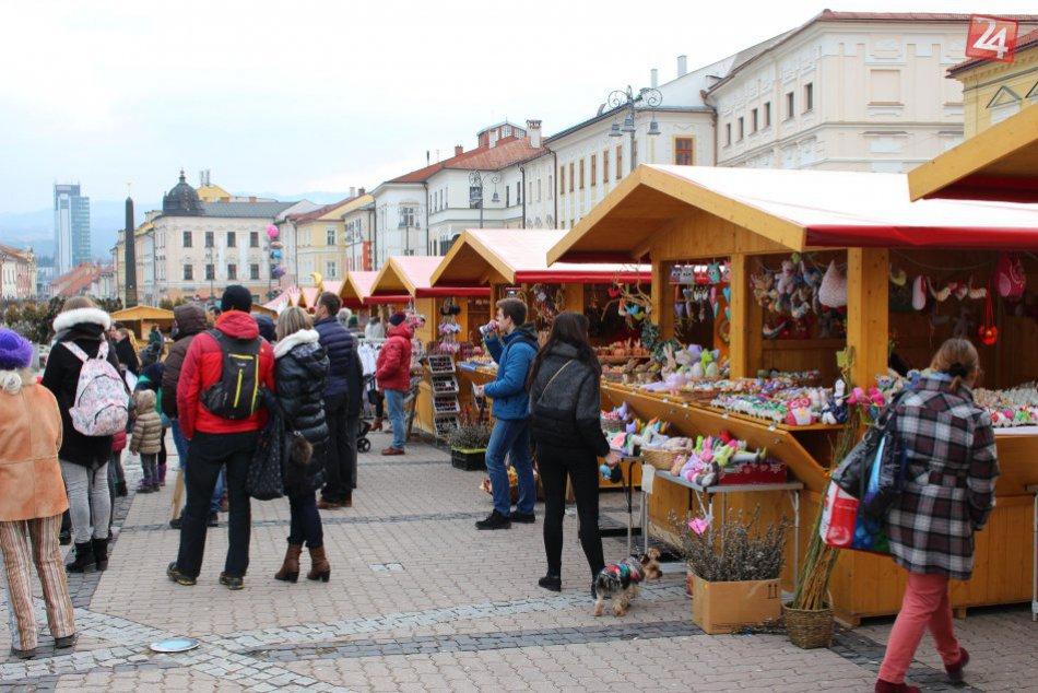 V OBRAZOCH: Veľkonočné trhy v Bystrici lákajú domácich aj cezpoľných