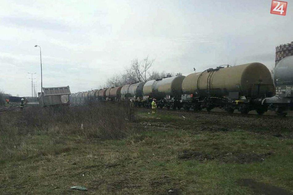 V Košiciach sa zrazil kamión s vlakom: Vodič nehodu neprežil, FOTO