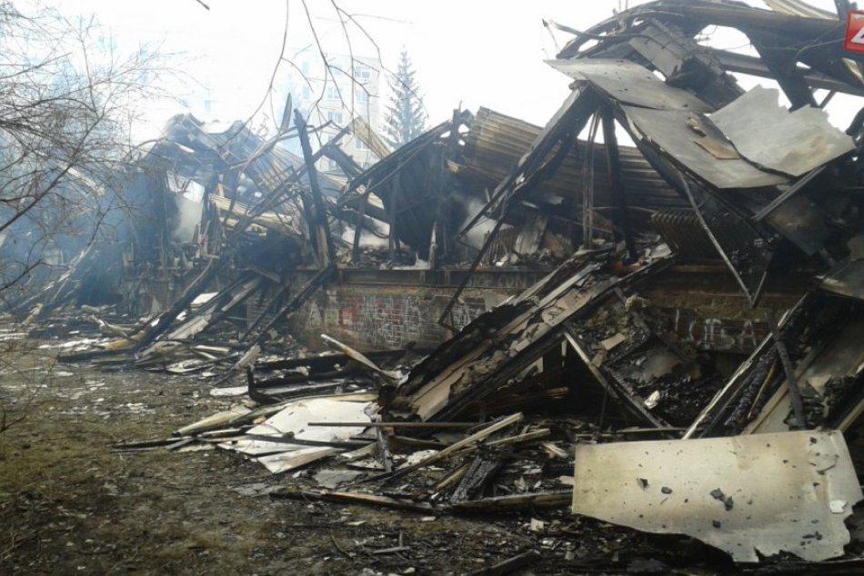 Deň po: Takto to vyzerá po veľkom požiari v Považskej