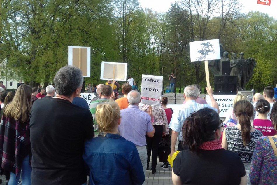 Protestné zhromaždenie v Humennom? Pozrite si ho vo VEĽKEJ FOTOGALÉRII