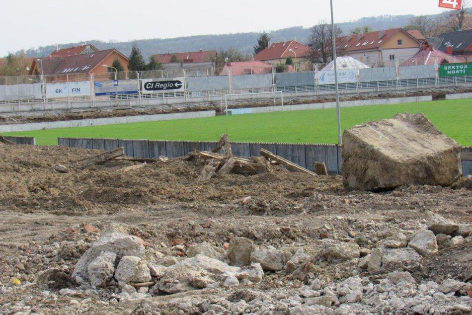 Aktuálne zábery zo štadióna Tatrana Prešov: Takto to tam vyzerá
