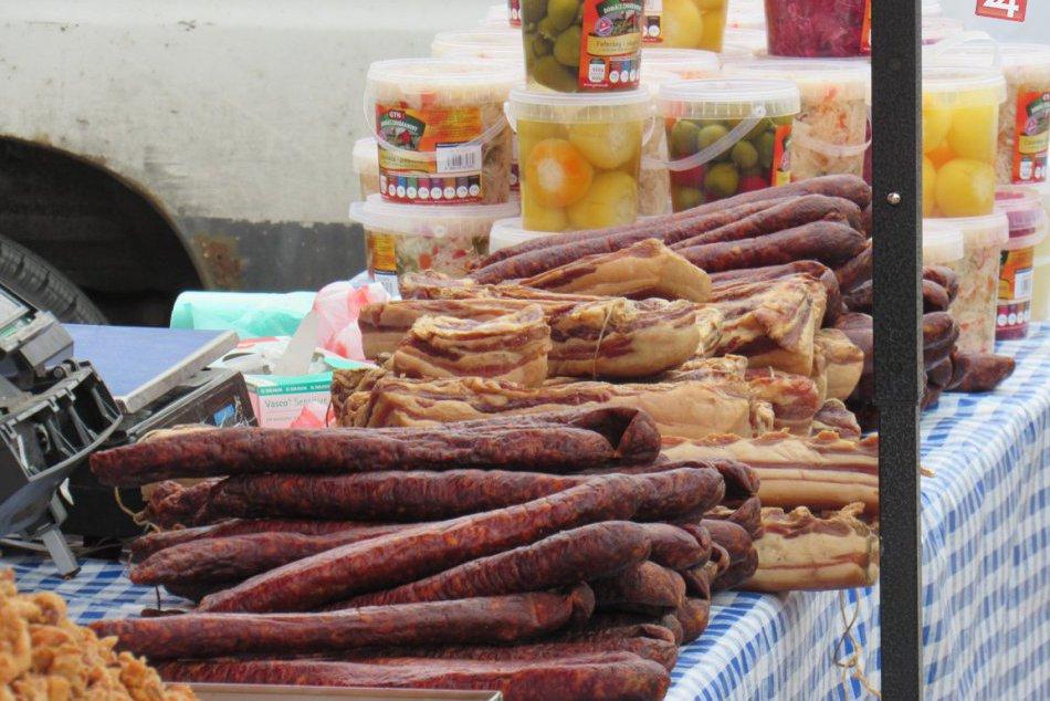 V centre nášho mesta je čo ochutnávať: OBRAZOM z Famárskych trhov
