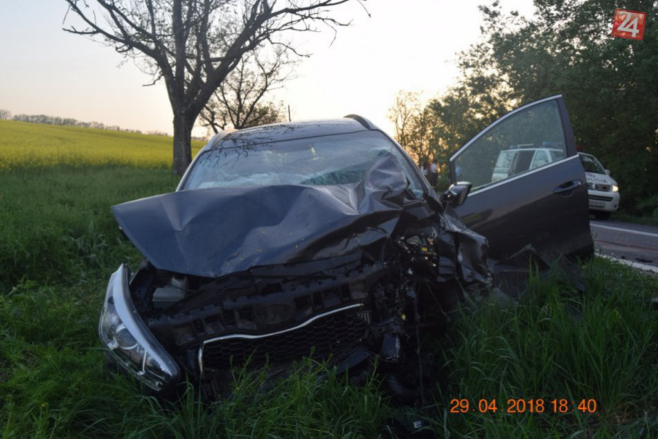 Tragédia pri Nitre: Auto s colníkmi sa zrazilo s Kiou, žena (†65) neprežila