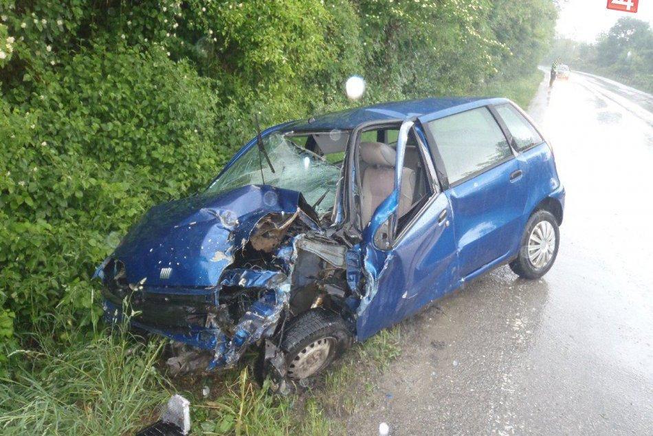 Vážna nehoda neďaleko Považskej: Zábery priamo z miesta