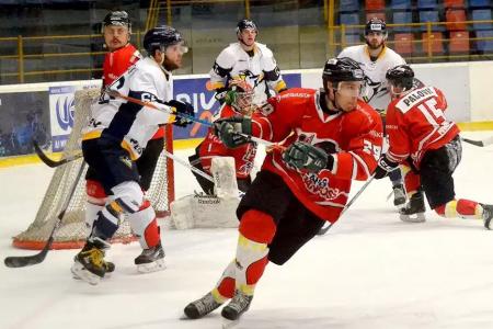 0f03dceb741a7 Prvýkrát po 18 dueloch ani bod: Hokejisti Prešova však vyhrali základnú  časť!