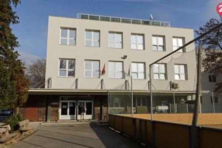 Najstaršiu školu v Nitre postavili za 3 milióny korún  Učil v nej aj Jozef  Tiso 706b9c0aa24