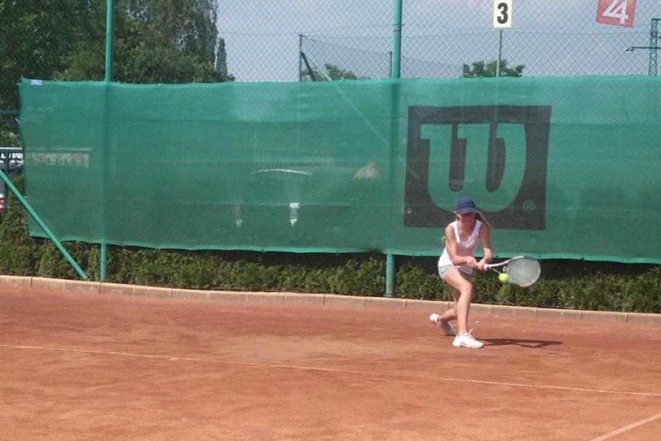 tenis B  starsi ziaci