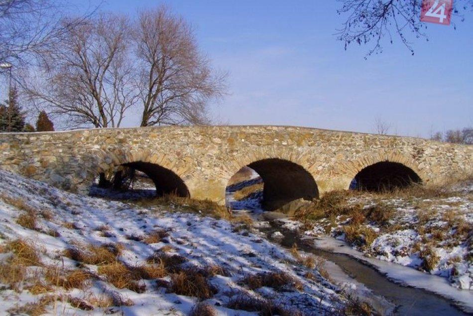Turecký most v obci Nová Ves nad Žitavou