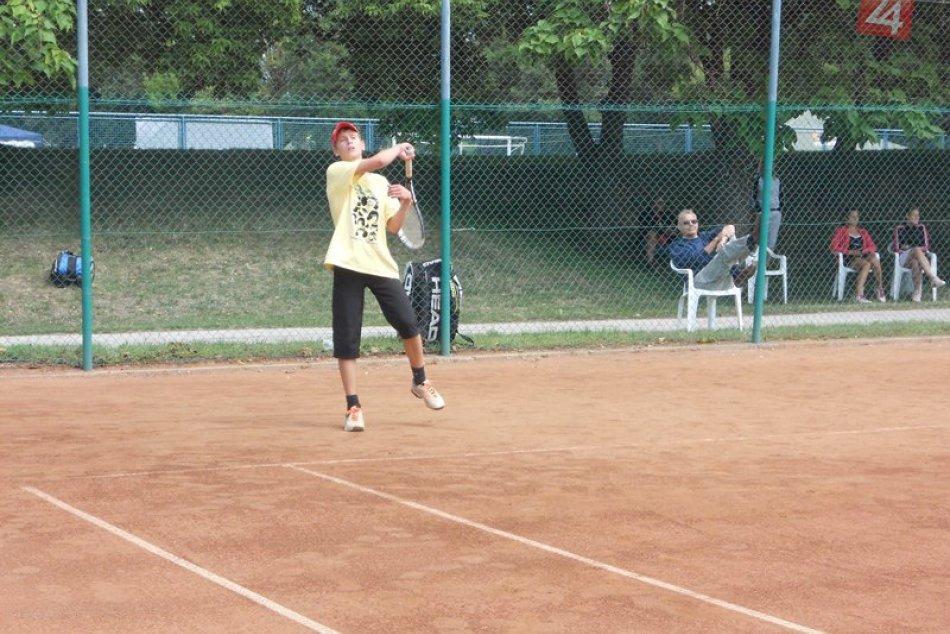 tenis dorast turnaj