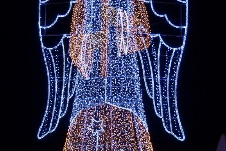 OBRAZOM: Takto vyzerá vianočná výzdoba v Poprade