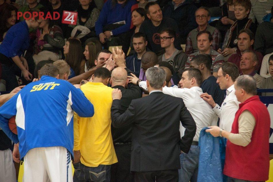 Svit sa rozlúčil so sezónou. Do semifinále postupuje Nitra